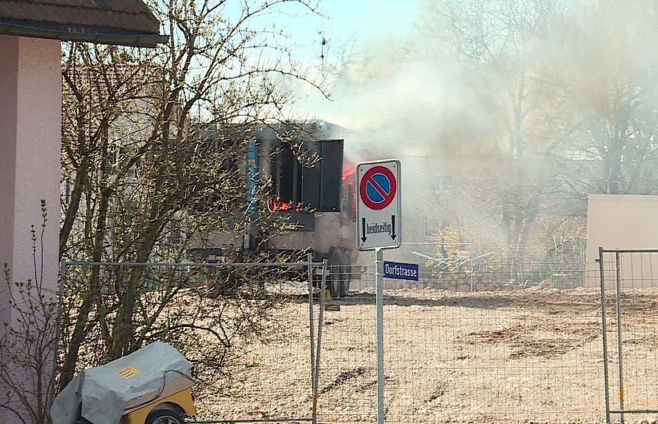 Der Luftkompressor ging in Flammen auf.