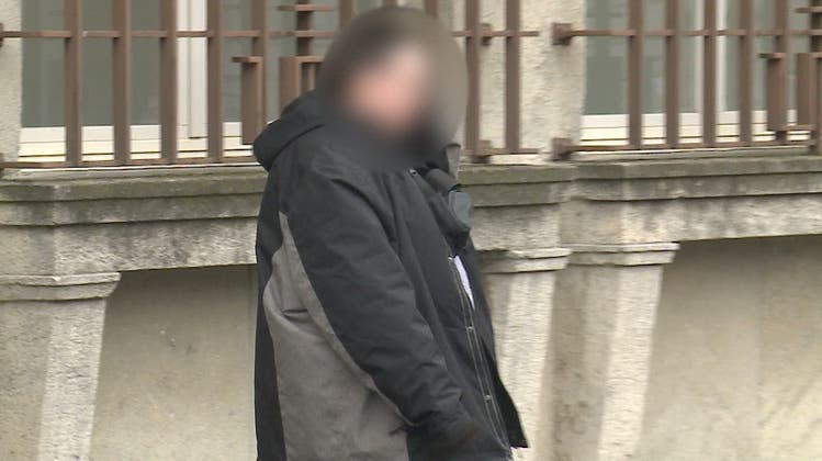 Vor Kindern onaniert: Exhibitionist zu 8 Monaten verurteilt – er bleibt im Wohnheim