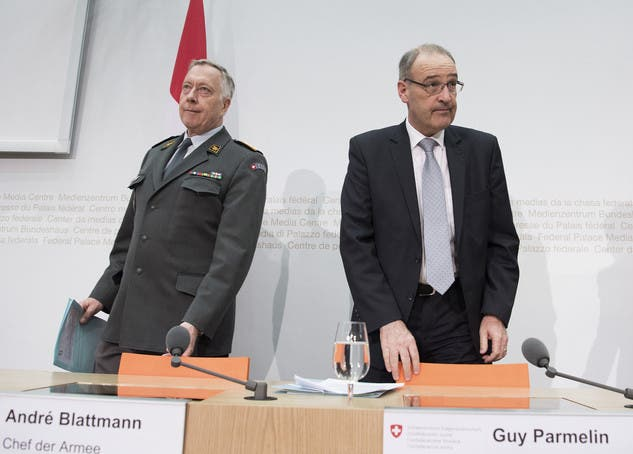 Ebenfalls im März gibt Guy Parmelin die Trennung von Armeechef André Blattmann auf Ende 2017 bekannt.