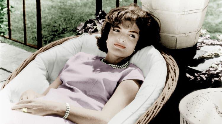 Jackie Kennedy: Kultiviert, schön, reich – und unglücklich