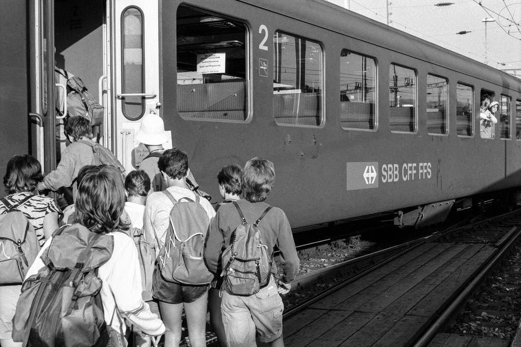 Bereits vor dreissig Jahren (Bild von 1987) nutzten Schulklassen die Angebote der SBB.