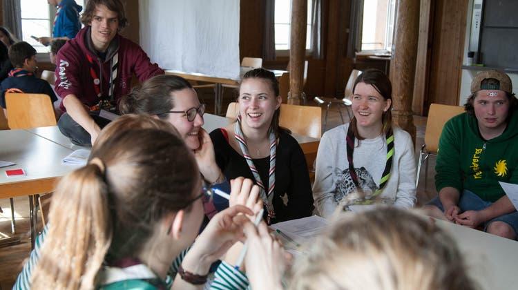 300 junge Pfadfinder lernen, Verantwortung zu übernehmen