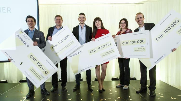 Fünf Start-ups freuen sich über je 100'000 Franken