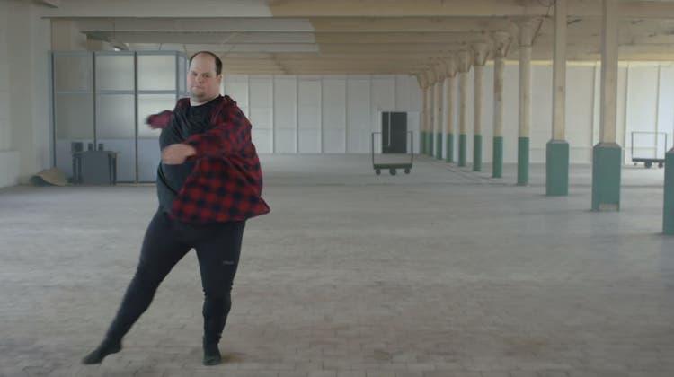 Wow! Dieser Mann beweist so richtig, dass Ballett-Tänzer nicht schlank sein müssen