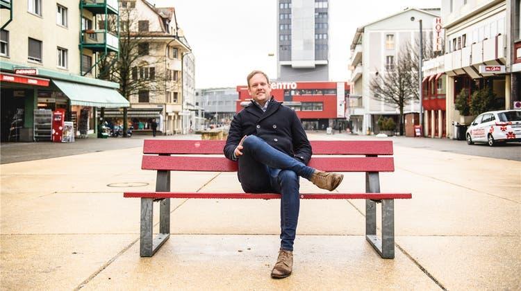 Für mehr Leben in der Stadt: Der Marktplatz wird mit Stühlen möbliert