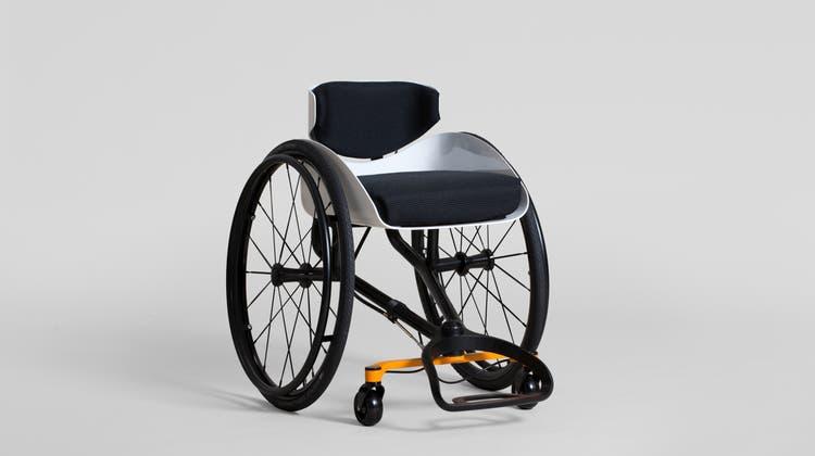 Vom Velofahren inspiriert: Junger Schweizer Designer erfindet den Rollstuhl neu