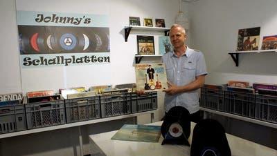 Der Laden dieses Bänkers ist eine Insel für Vinyl-Freunde