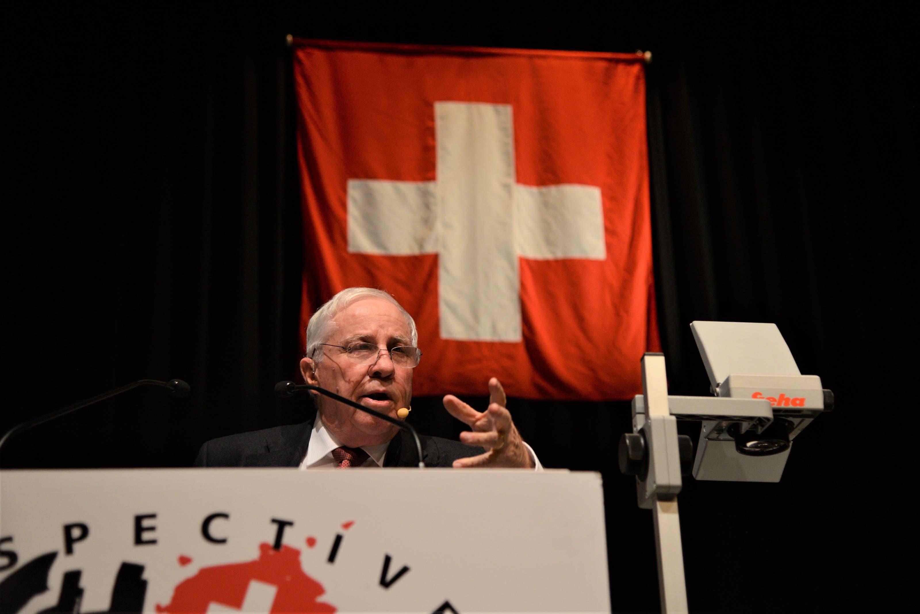 Alt Bundesrat Chrsistoph Blocher (SVP) referiert auf Einladung von Perspektive CH