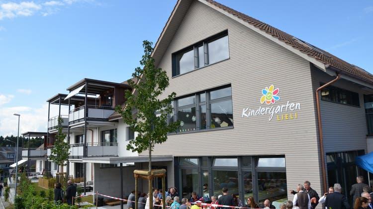 Hier lernen Jung und Alt fürs Leben: Kindergarten und Alterswohnungen eingeweiht