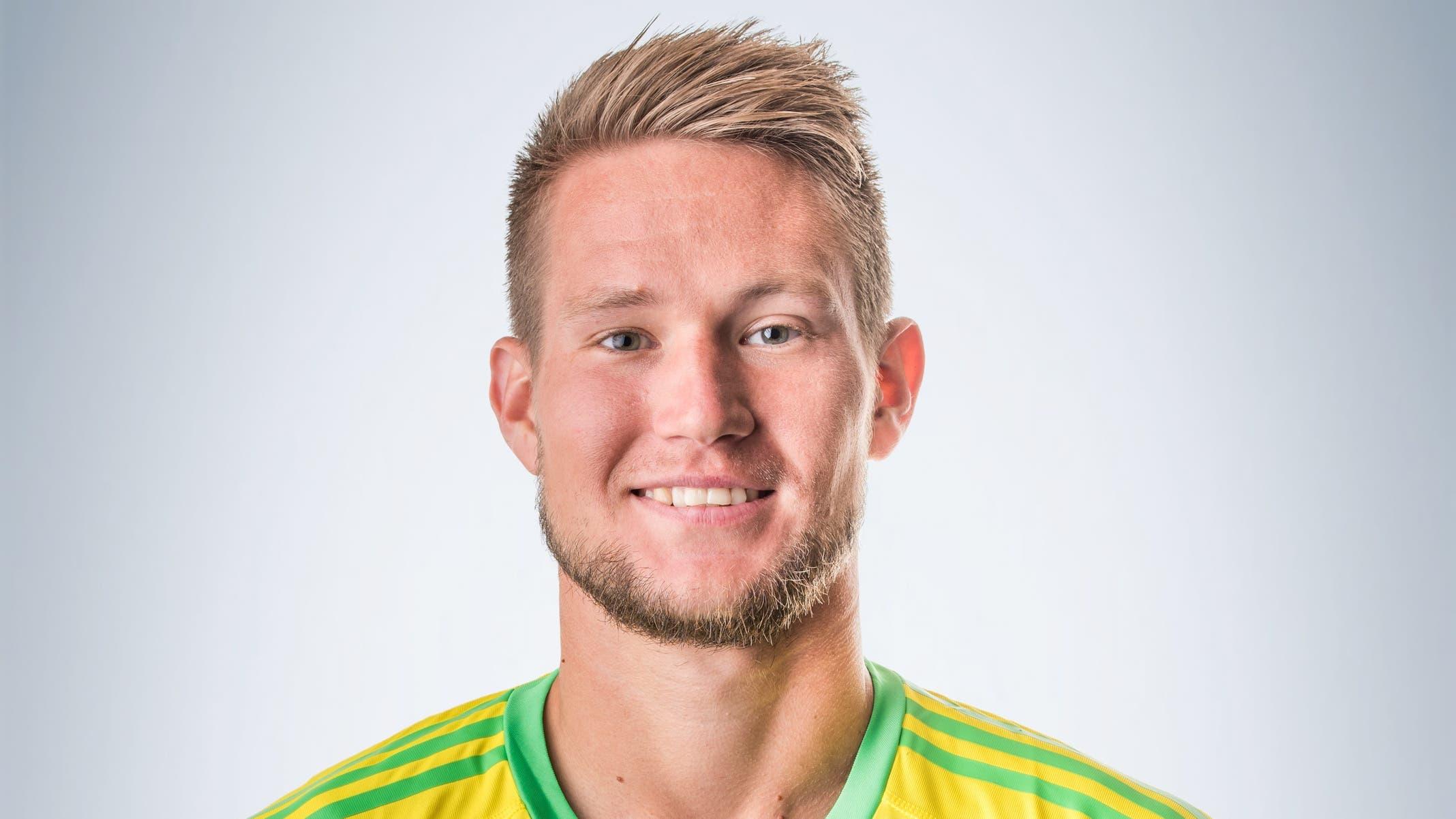 Tomás Vaclík: 5 Pariert mehrfach stark gegen gut umschaltende Luzerner. Sieht beim 0:1 unglücklich aus, wie die gesamte Hintermannschaft. Beim 0:2 chancenlos.