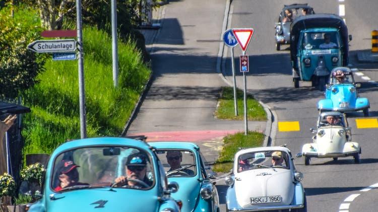 Im Aargau sind die Microcars los – mit einem Freiämter Star unter den «Knutschkugeln»