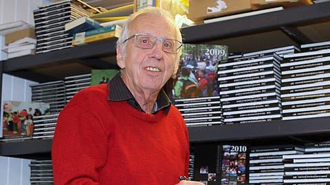 Markus Egli vom Thur Verlag gibt Ende Oktober das 30. und letzte Jonschwiler Jahrbuch heraus. (Bild: Philipp Stutz (Dezember 2019))