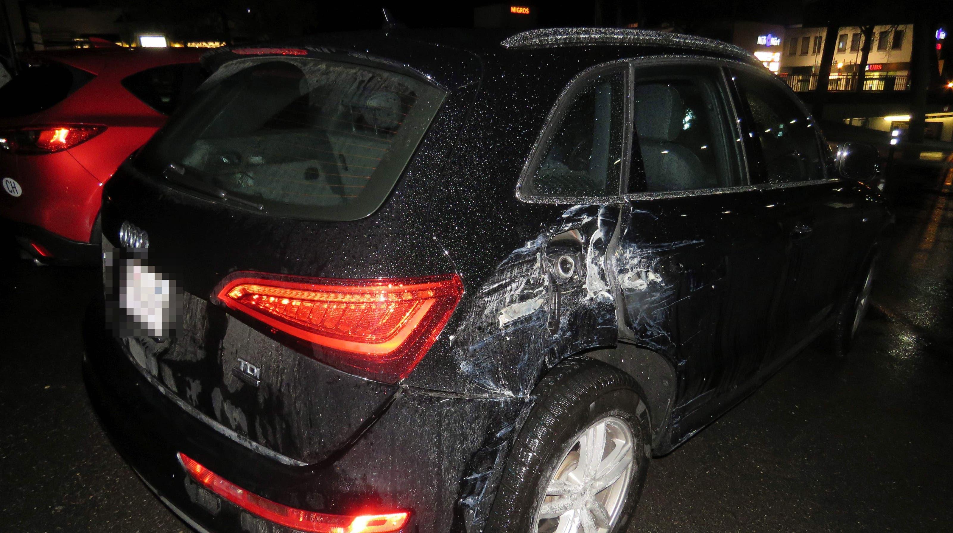 Der Audi prallte daraufhin gegen einen Mazda (nächstes Bild).