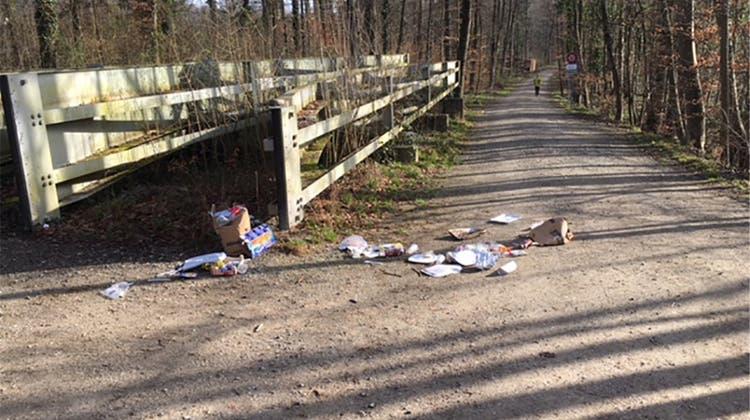 Müll nach dem Grillfest liegen gelassen – jetzt haben Abfall-Sünder eine Anzeige am Hals