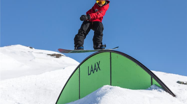 Wer ist der Junge, der die Snowboard-Szene auf den Kopf stellt?