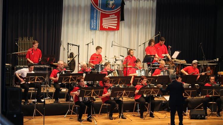 «Viva Espana»: Akkordeon-Orchester akklimatisiert sich an bevorstehende Reise