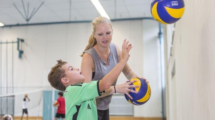 Im Volleyball-Ferienpass ist Teamgeist gefragt
