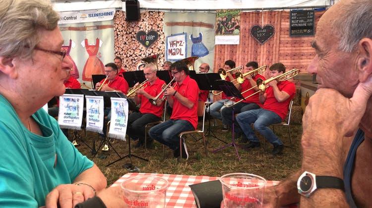 50 Jahre Dorffest mit Musik und Hüttengaudi