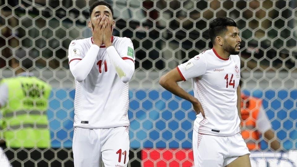 Enttäuschte Tunesier nach dem Spiel gegen England.