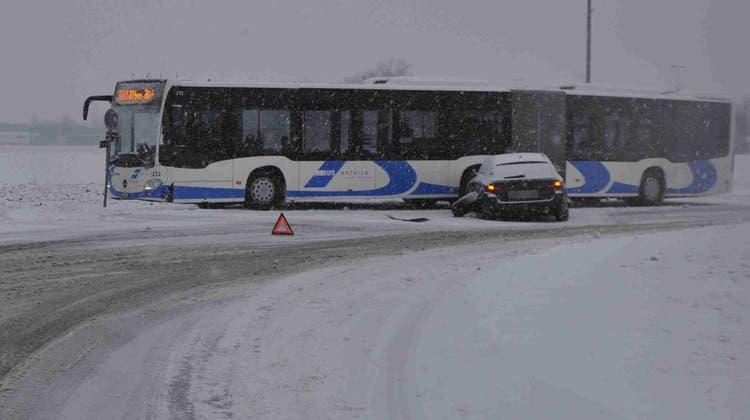 Wintereinbruch in der Region: Der Frühling beginnt mit einem Schneechaos