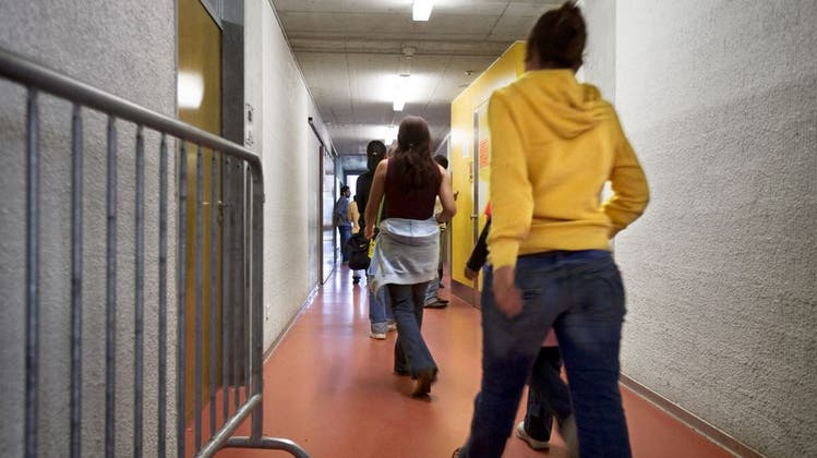 Für 8.50 Franken müssen abgewiesene Asylbewerber zwei Mal täglich zur Kontrolle