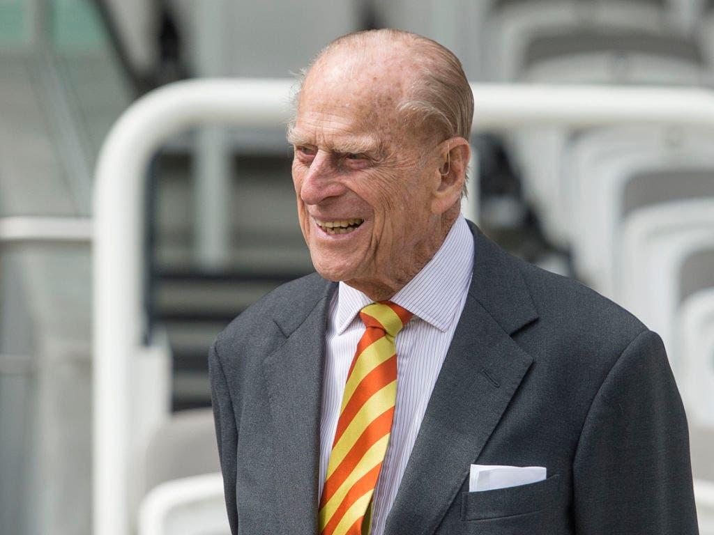 Prinz Philip, der treue Gefährte der Queen, ist im Alter von 99 Jahren gestorben.