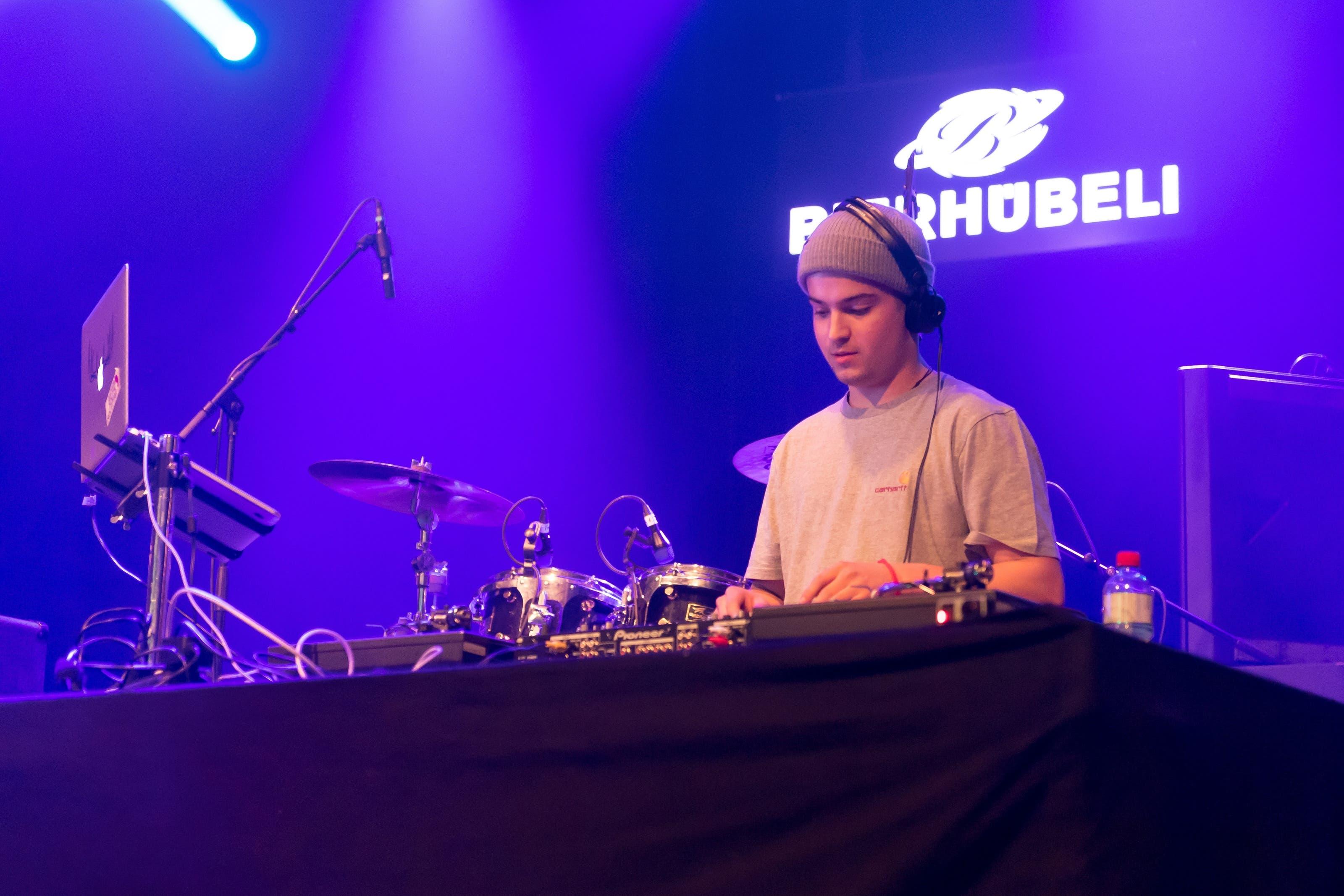 Der DJ gibt den Beat vor – ausser es kommt zum Stromunterbruch