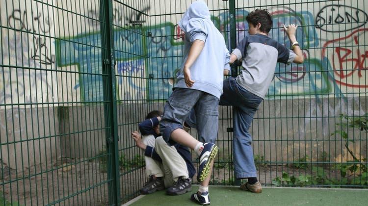 Gewalt in Wohngegend beeinflusst Kinder und Jugendliche negativ