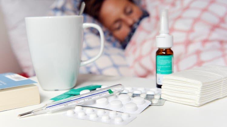 Bei Krankheit ab ins Bett – das ist fast nie eine gute Idee