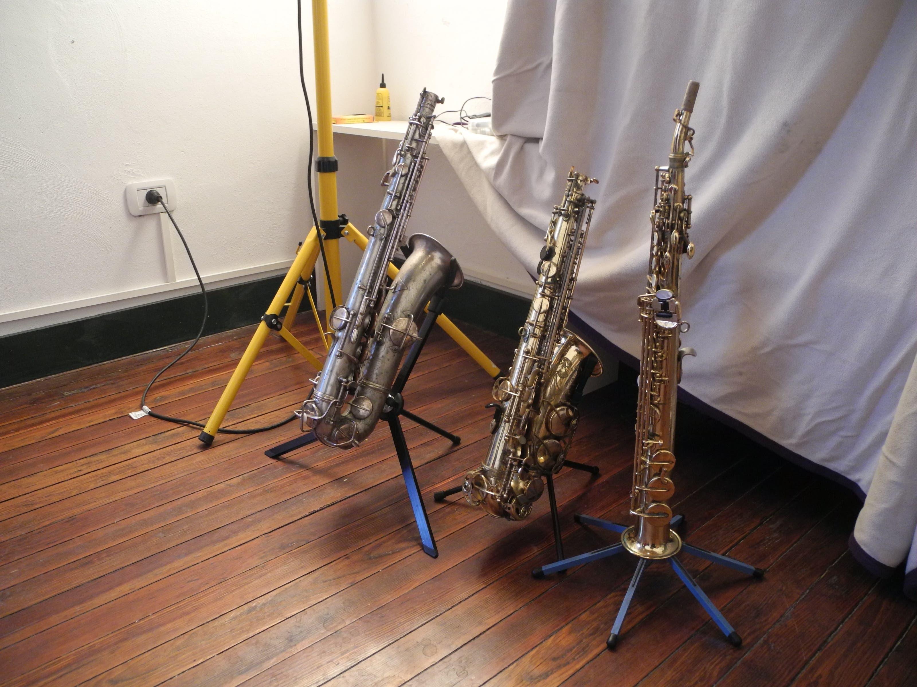 Spielbereit stehen die Instrumente aufgestellt