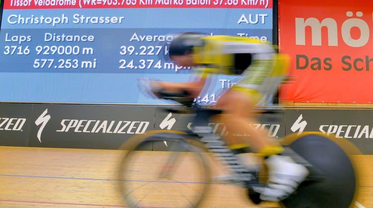 Neuer Weltrekord: Österreicher radelt 24 Stunden im Velodrome
