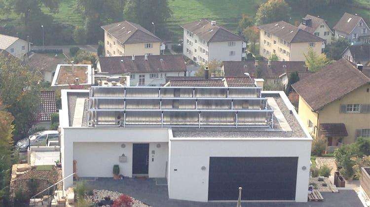Sonnenkollektoren erhitzen die Gemüter – Gemeinde pfeift Bauherrn zurück