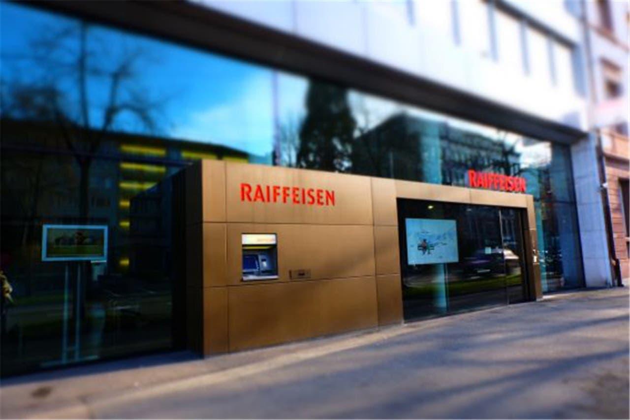 In dieser Basler Raiffeisen-Filiale wurden mehrere Fächer ausgeräumt.