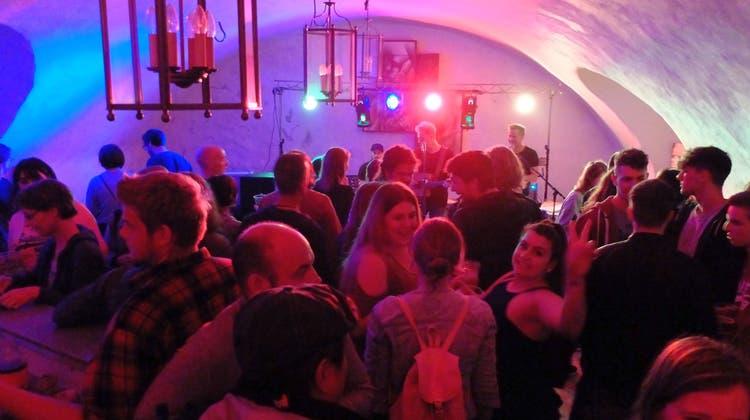 Ausverkäufte Ränge bei Festival-Premiere auf der Bechburg