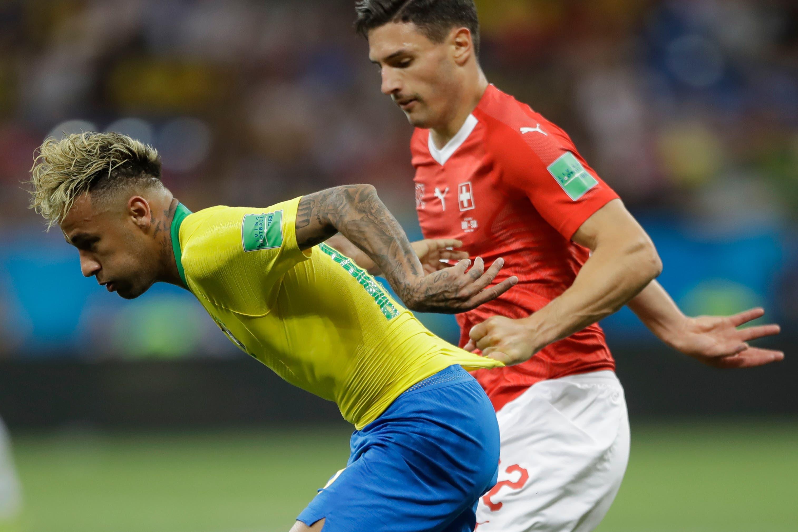 Im Spiel gegen Brasilien und Neymar.