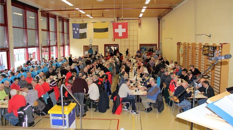 Eine Tradition für die Männerturner: 260 Teilnehmer am Sternmarsch