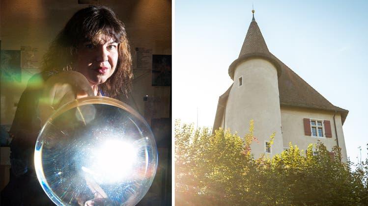 Christliche Fundamentalisten beten gegen Hexenmuseum