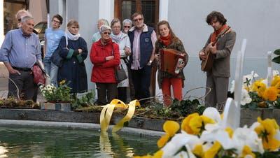 Premiere im Aargau: Mit «WunderKram» gings von Brunnen zu Brunnen