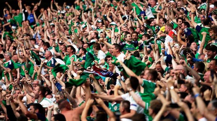So schön singt die Green And White Army: Die 7 besten Songs der nordirischen Fans