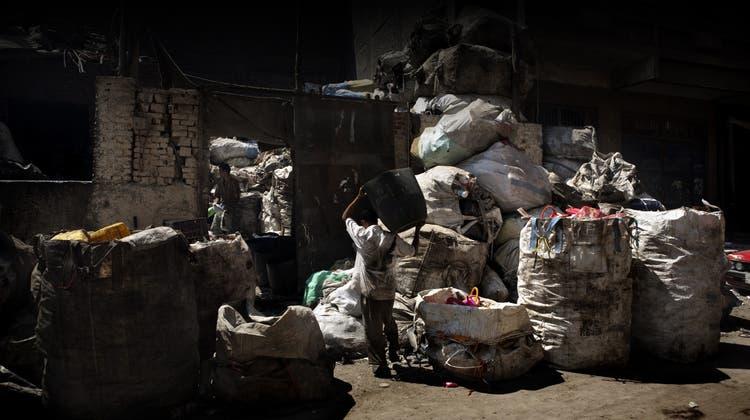 Der Abfall anderer ist ihre Lebensgrundlage: Eine Reise zu den armen Königen des Recyclings