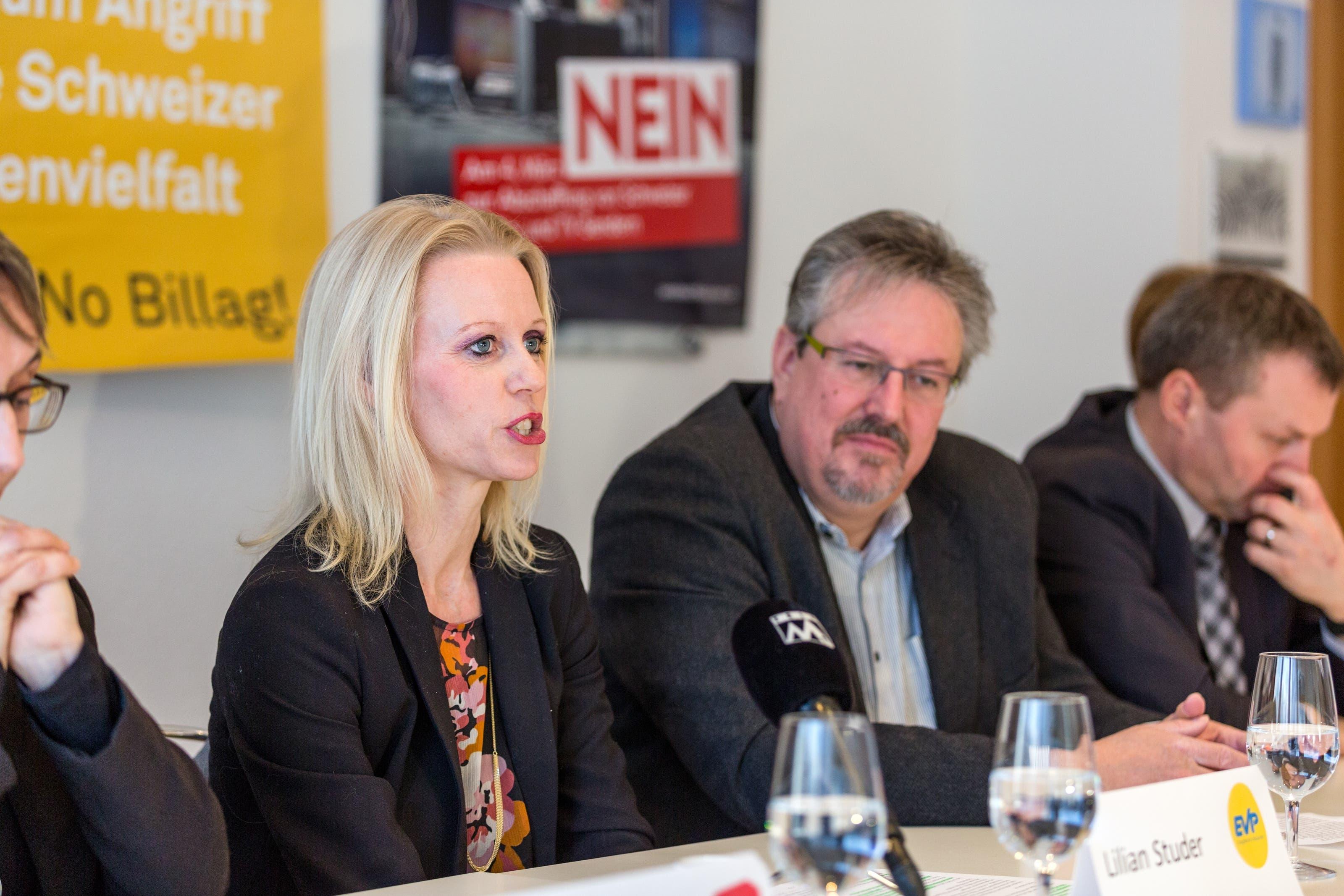 No Billag Abstimmung Im Bild: Liliane Studer (EVP), Beat Flach (glp), Bernhard Guhl (BDP)