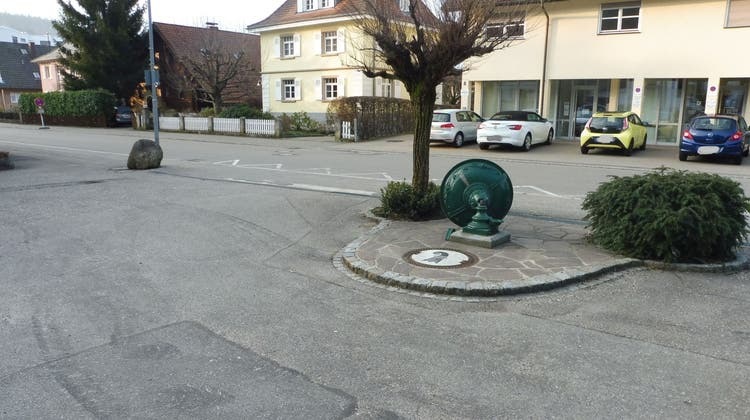 Von Lkw umrasiert: IWB reparieren in Deutschland kaputten Basler Basilisken-Brunnen