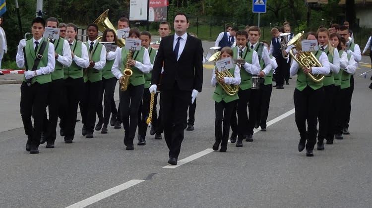 Jugendmusik Möhlin am Aargauischen Kantonalen Jugendmusiktag in Küttigen