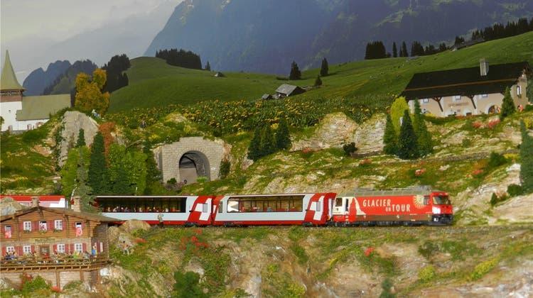 Legendäre Rhätische Bergbahn fährt im Kleinformat