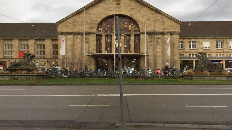Zwei trockene Flüsse verstecken sich vor dem Badischen Bahnhof Basel