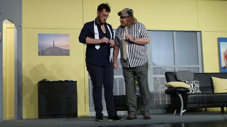 Theatergruppe faszinierte das Publikum an der Premiere mit der Komödie «Ladysitter»