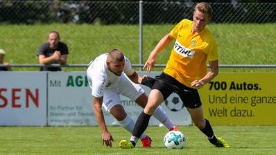 Philipp Roth (in Gelb) und der SC Bronschhofen verpassten gegen Zuzwil eine grosse Chance. (Bild: Gianluca Lombardi (Bronschhofen, 16. August 2020))