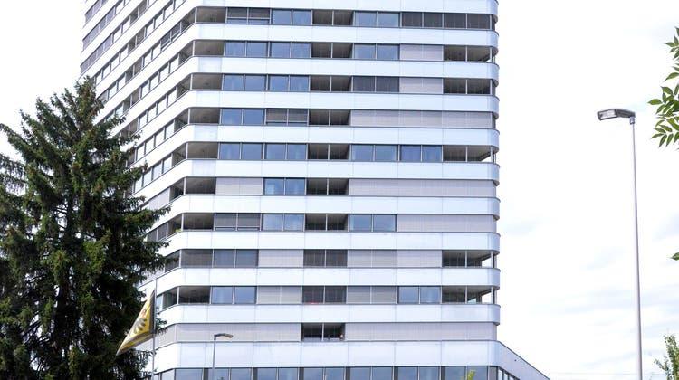 Im Aquila-Turm werden Garagen-Benutzer mit Fake-Kameras in falscher Sicherheit gewiegt