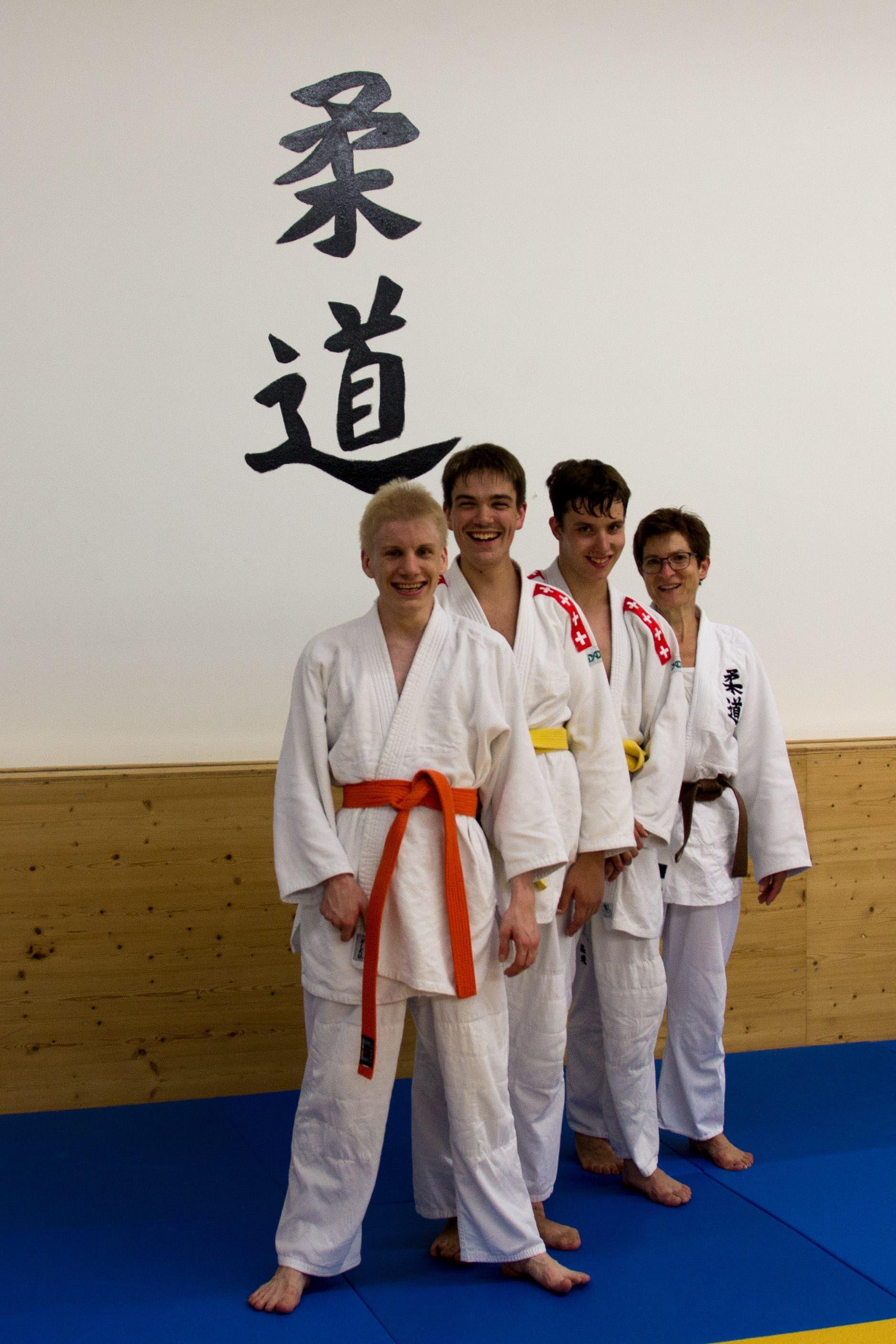 Judo mit Handicap (v. l.): Raphael Boppart, Markus Schaarschmidt, Marc Bleiker und ihre Trainerin Barbara Bortoluzzi.
