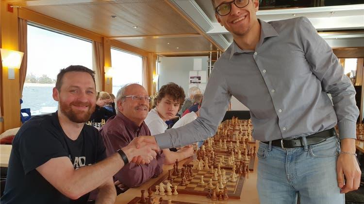 Hobbyspieler siegt gegen Schachprofi – der Grossmeister gab ihm vorher Tipps